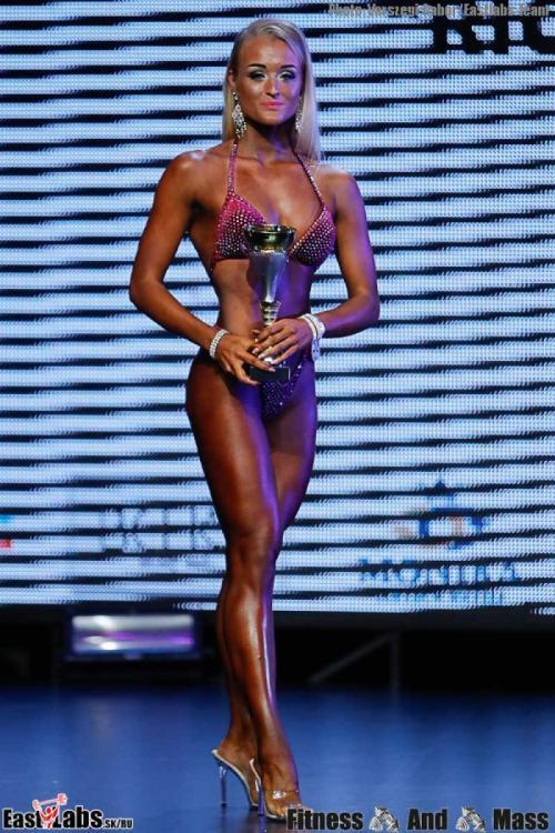 2womens-bodyfitness-open-_c4i0001_-(43).thumb.jpg.377c8092e8a3985ed4a5766e5a16b8b8.jpg