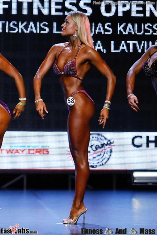 4womens-bodyfitness-open-_c4i0001_-(65).thumb.jpg.dce998924a23ae738d6002122bbe8b48.jpg